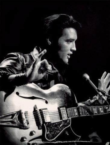 Nace Elvis Presley