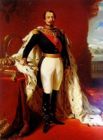 Napoleón III se proclama emperador del II Imperio.