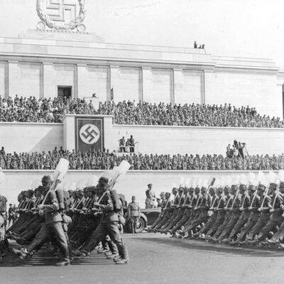 Totalitarismos timeline