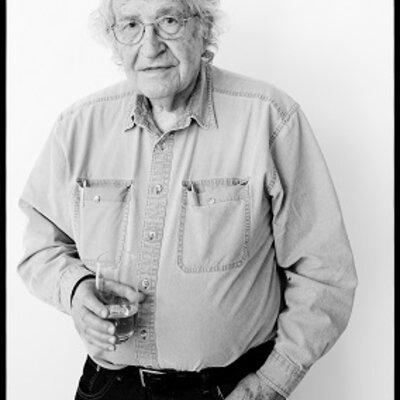 Noam Chomsky 1928 - Living timeline