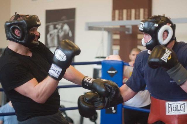 4 ноября состоялся бой с Тони Джейсоном