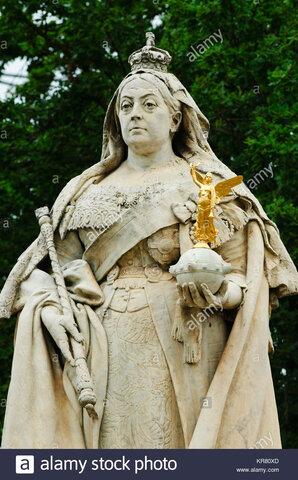 Se retira la estatua de la reina Victoria