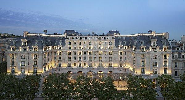Hotel Majestic. (Actlmnt.: The Peninsula Paris).