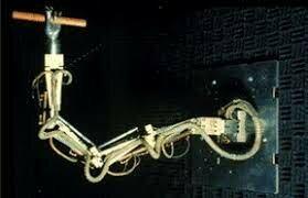 Primer brazo articulado teleoperado