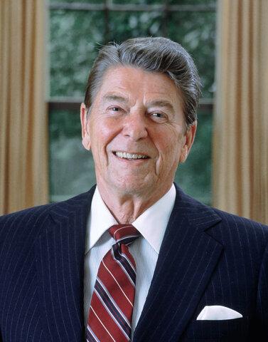 La Presidencia de Ronald Reagan 1977-1989