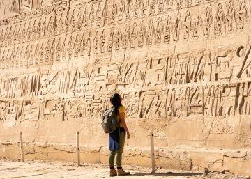 2,600 a.C - Escritura de Piedra