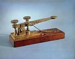 Se tiende la primera línea telegráfica.