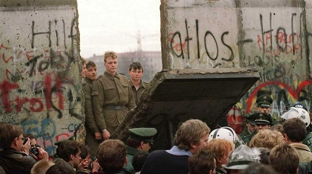 The pull down of the Berlin Wall
