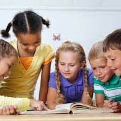 Improve children's English level by reading timeline