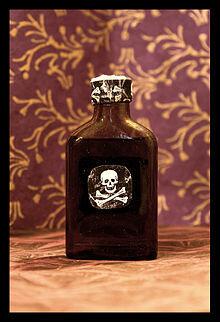 Publicación libros de venenos y efectos. Edad antigua