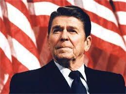 Reagan gano las elecciones con la promesa de incrementar el gasto militar y enfrentarse a los Soviéticos en cualquier lugar que fuera necesario.