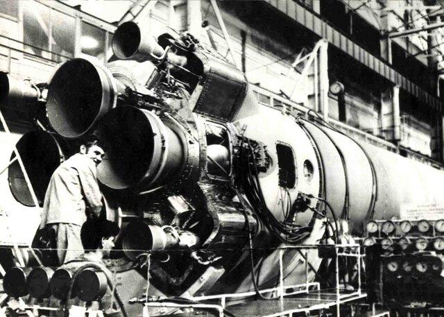 Серийное производство ракеты Р-7.