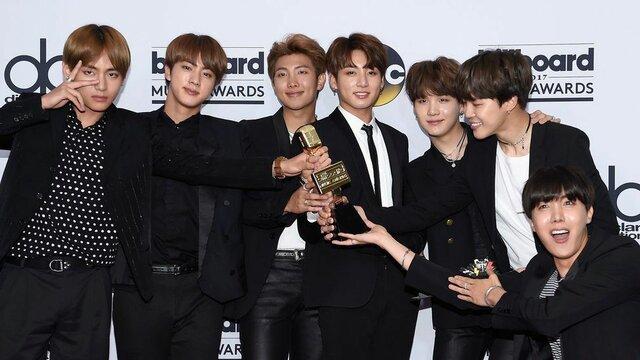 """Premio """"Top Social Artist"""" en los Billboard Music Awards"""