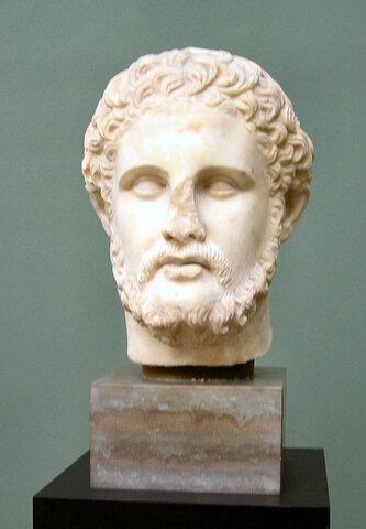 Filipo II inicia la conquista de Grecia.