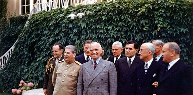 Conferencia de Potsdam (Truman, Churchill-Atlee, Stalin)