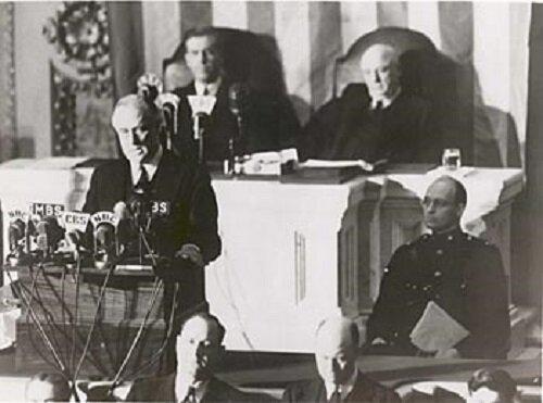 EEUU i Japó es declaren en guerra