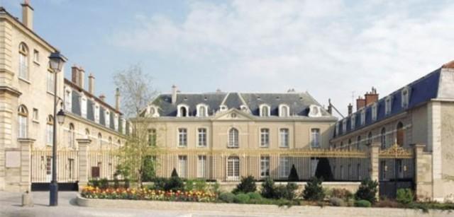 Xavier Goes to College in Paris