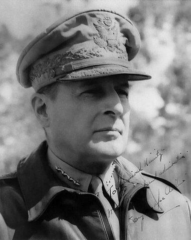 Douglas MacArthur. (1880-1964)