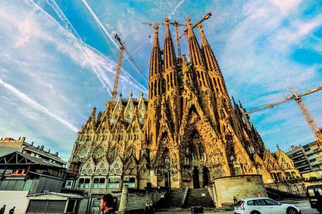 FRACTALES: Basílica de la Sagrada Familia