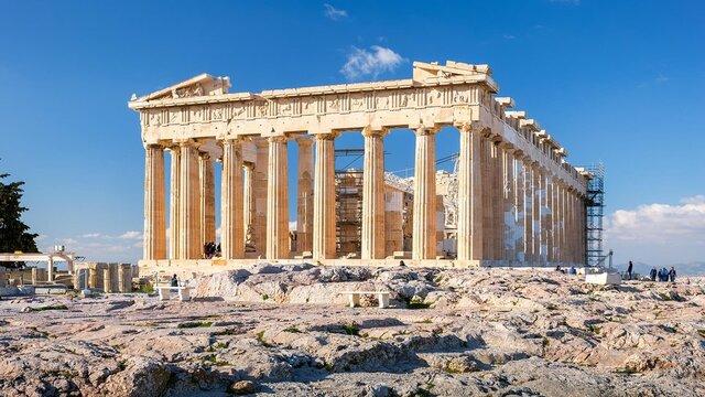famous Greek architecture