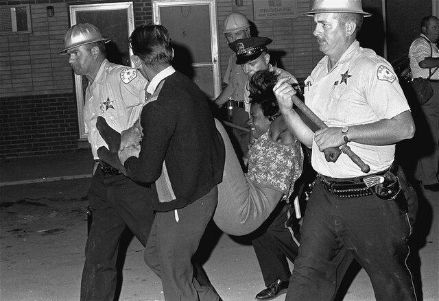 La violence policière envers les personnes de couleurs (doc7)