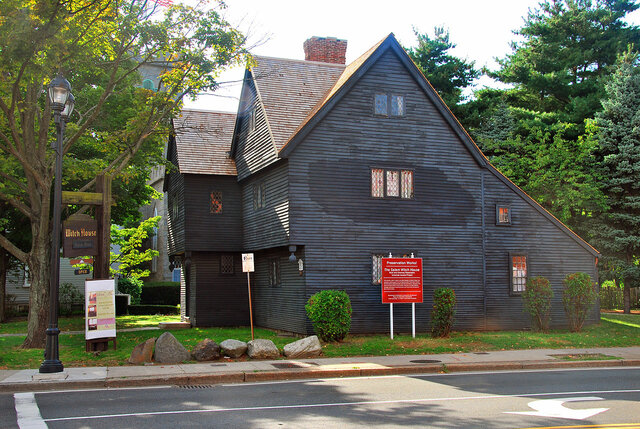 famous American colonial architecture