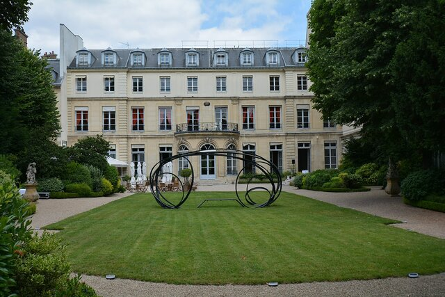 Le Régence and Louis XV famous architecture