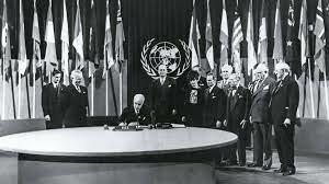 1945 Se establecen las Naciones Unidas