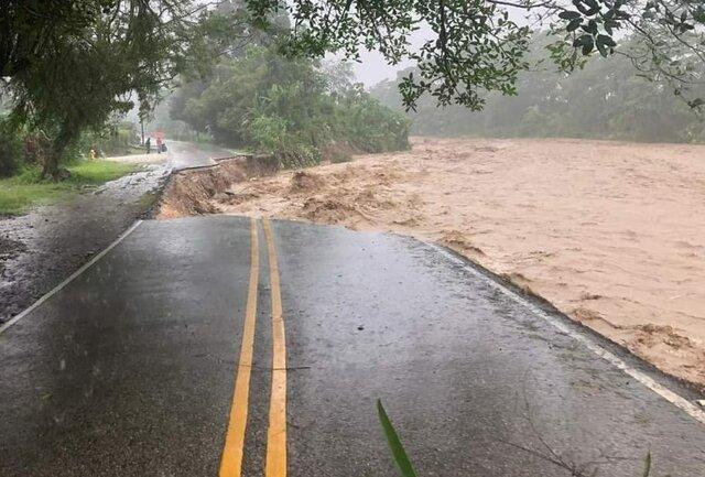 Rio Caño seco se lleva la calle