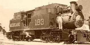 Se inauguro el ferrocarril de Veracruz a México.