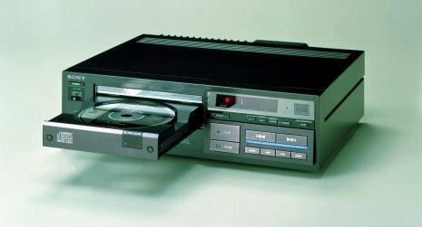 La sony Electronics lanza una unidad de lectura de disco o de disco flexible de 3 1/2.