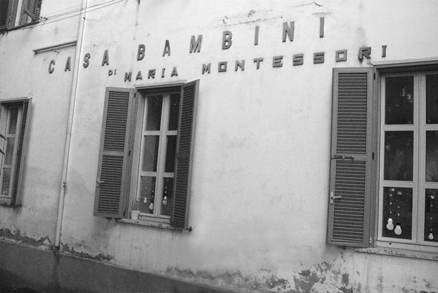 Casa De Bambini established