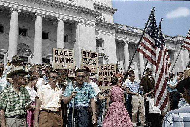 loi contre la ségrégation raciale dans les écoles
