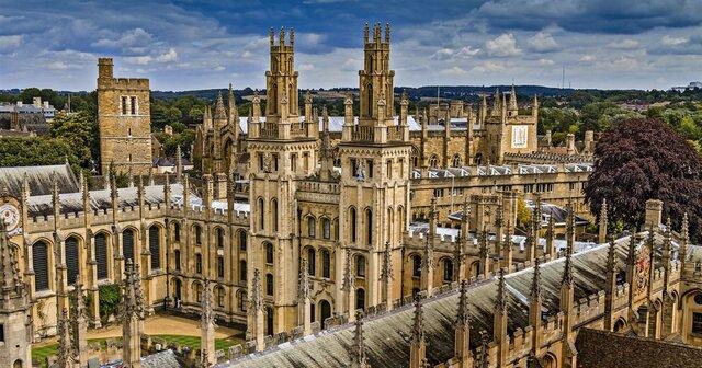 Creación de las primeras universidades en Italia, Francia, Inglaterra y España.