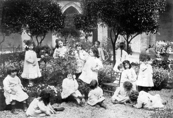 Maria Montessori Opens the First Children's House Casa Dei Bambini