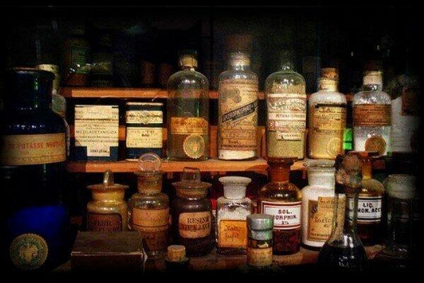 """""""Primeros Medicamentos"""" (1530)"""