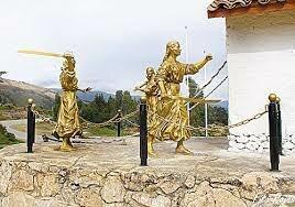 Las Toledo, madre e  hijas, cortaron el puente del rio Mantaro.