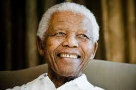Nelson Mandela gana el premio Nobel de la paz