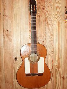 Guitarra de flamenco de dos golpes golpeadores