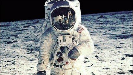 Retransmisión en vivo de la llegada del hombre a  la luna