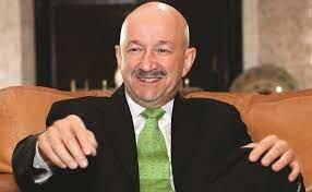 Carlos Salinas de Gortari, presidente constitucional de los estados unidos mexicanos.