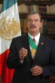 Vicente Fox Quesada, presidente constitucional de los estados unidos mexicanos.