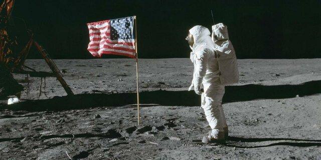 Llegada del hombre a la Luna.