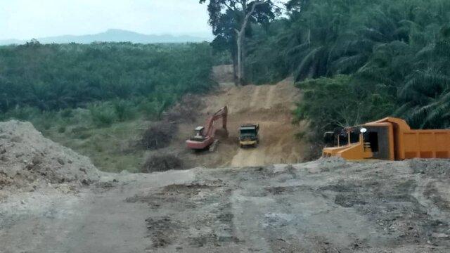 Pembinaan Jalan Masuk Utama Lepar
