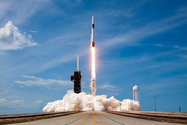 Viaje Tripulado en el Cohete Falcon 9