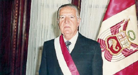 AÑOS 80: RETORNO A LA DEMOCRACIA (1980-1985).