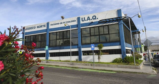 Apertura de la Universidad de Queretaro