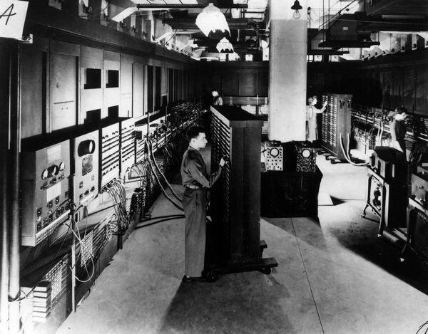 Computador e Integrador Numérico Electrónico (ENIAC)