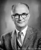 André Hellegers (médico obstetra) - Denomina al primer instituto universitario de la disciplina