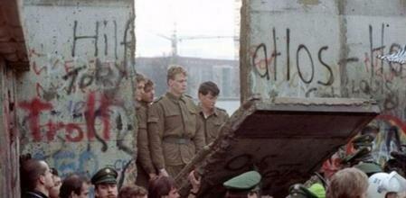 La caída del muro de Berlín.